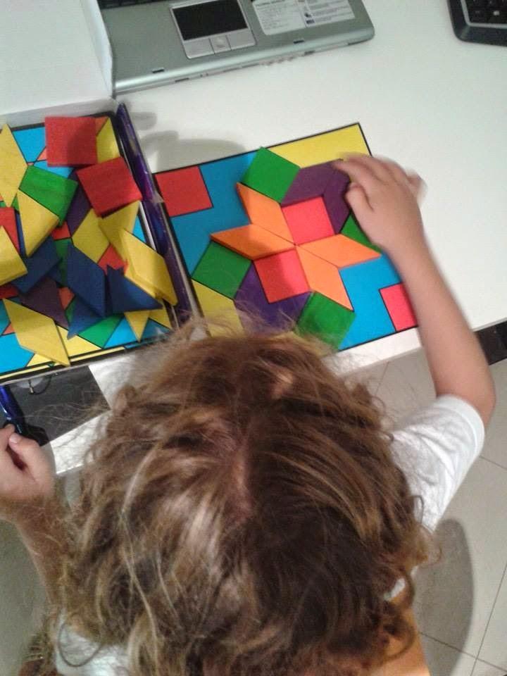 imagen niña y puzzle